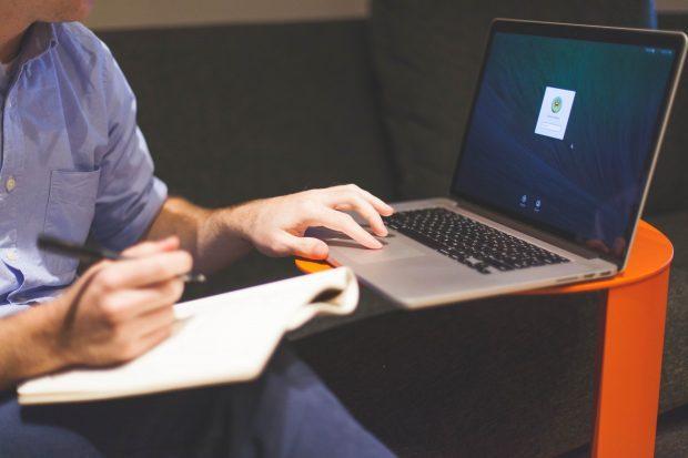 Οδηγίες για τον εξοπλισμό και την πρόσβαση στα Webinars  μέσω της πλατφόρμας Europalso