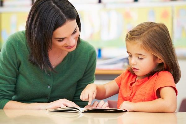 Τι πρέπει να ξέρετε για να βοηθήσετε και να ενθαρρύνετε τα παιδιά σας στην εκμάθηση της ξένης γλώσσας